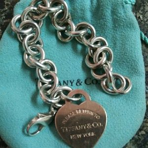Jewelry - Tiffany Bracelet with Rose coloured heart